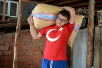 Six months after taking up the sport, a visually impaired man won a gold medal last month in a national weightlifting championship  Gökhan Taşpınar now aims to be a world weightlifting...