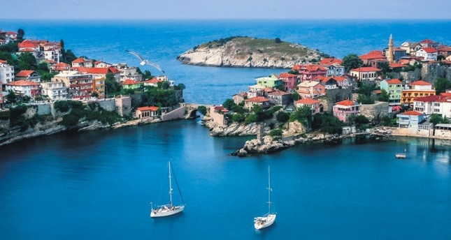 Like any other Black Sea towns, Amasra is blessed with greenery; but what makes it different is its ancient history dating back to the 30th century B.C.