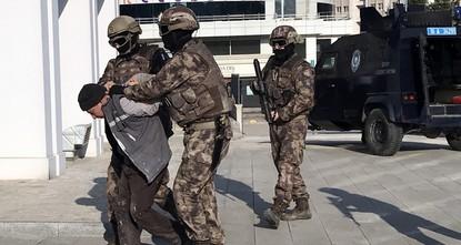 مشرف الإعدامات ومسؤول الاستخبارات.. تركيا توقف قيادياً رفيعاً في داعش