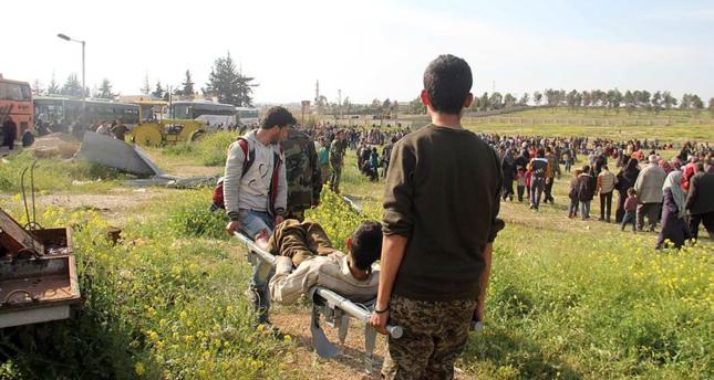تركيا تداوي مصابين في تفجير استهدف قافلة النازحين من كفريا والفوعة بسوريا