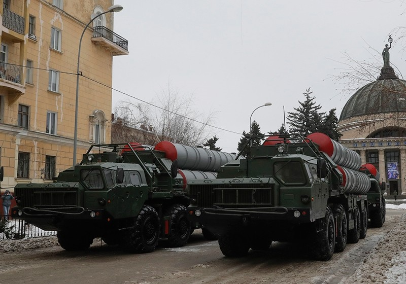 Russian S-400 missile air defence systems are seen before the military parade to commemorate the 75th anniversary of the battle of Stalingrad in World War Two, in the city of Volgograd, Russia, Feb. 2, 2018. (Reuters Photo)