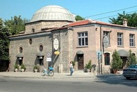 في بلغاريا.. الخمور تباع في حديقة مسجد عثماني عمره 500 عام