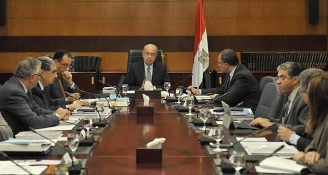 الحكومة المصرية تقدم استقالتها والسيسي يكلفها بتسيير الأعمال إلى حين تشكيل أخرى