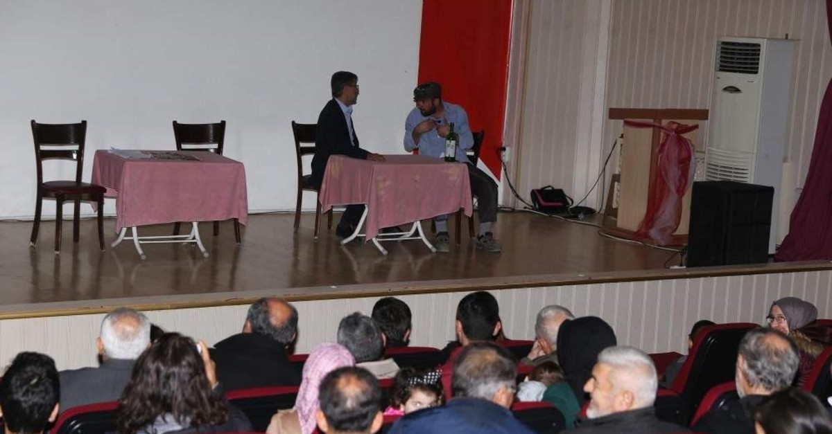 The imam and community of a mosque in western Turkey's Mu?la province staged a play to address social problems. (DHA Photo)