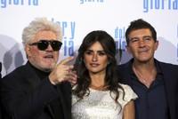 Filmmaker Almodovar walks Cruz, Banderas down memory lane in 'Pain and Glory'
