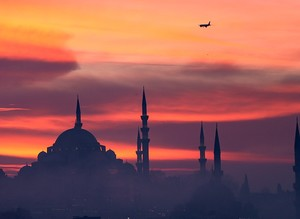 Heavy fog coats the skies of Istanbul