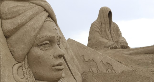 Antalya's sand sculptures focus on legends and myths