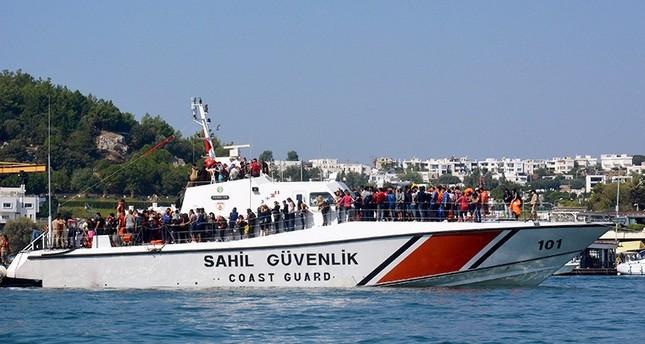 الأمن التركي يوقف قرابة 900 مهاجر من عبور السواحل التركية إلى أوروبا هذا الشهر