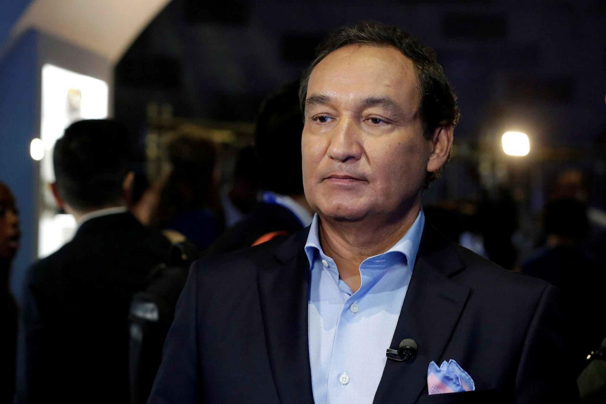 United Airlines CEO Oscar Munoz waits to be interviewed, in New York. (AP Photo)
