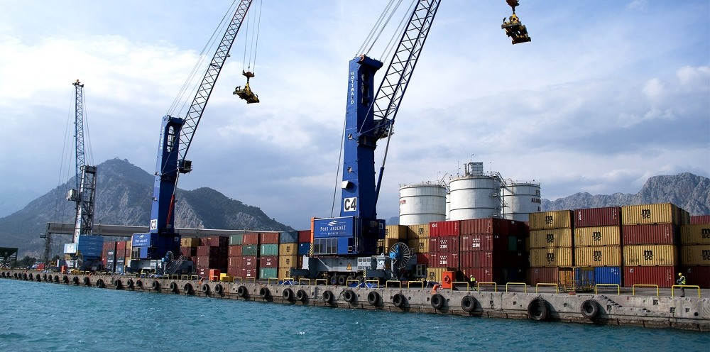 Export items being loaded in Samsun Port from where Turkey exports goods to Russia.