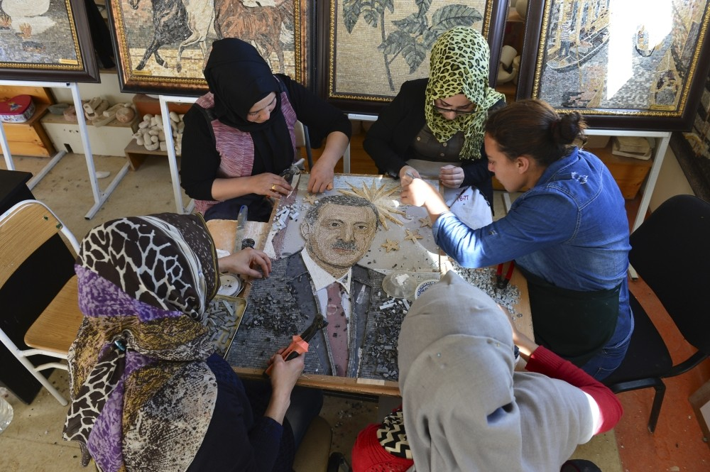 These four women spend most of their days creating mosaic paintings by combining colorful marble pieces together with nippers. Painstakingly made from 5,000 marble stones, they would like to gift a mosaic to President Erdou011fan.