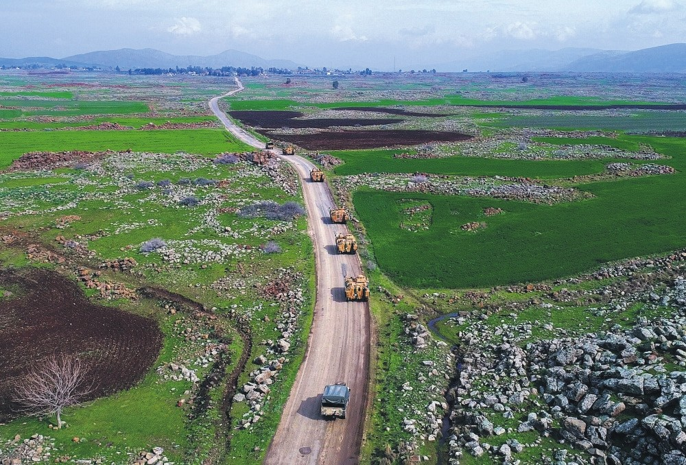 Turkish tanks advance over the Turkish-Syrian border to join Operation Olive Branch against the PKK-affiliated YPG terrorist elements in northern Syria, Hassa, Hatay.