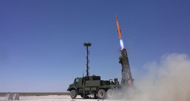 منصة إطلاق نظام صواريخ حصار الدفاعية تركية الصنع الأناضول