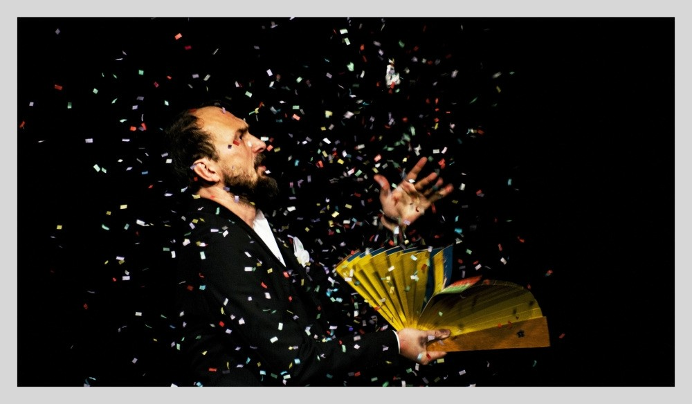 Kubilay Tuncer will perform interactive, magic and comic shows in his u201cMagic Sessions.u201d