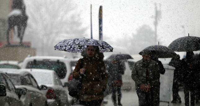 ثلوج كثيفة تتساقط على ولايات شرق تركيا