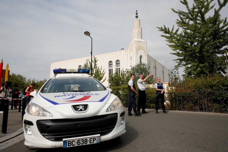 French police secure a street after a man killed two persons and injured an other in a knife attack in Trappes, near Paris, France, August 23, 2018. (Reuters Photo)