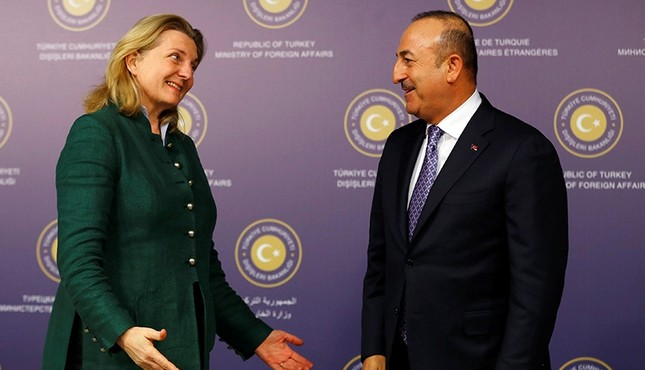 Turkish Foreign Minister Mevlüt Çavuşoğlu and his Austrian counterpart Karin Kneissl leave after a news conference in Istanbul, Turkey Jan. 25, 2018. (Reuters Photo)