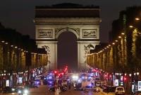 In Paris hat es unmittelbar vor der französischen Präsidentschaftswahl einen tödlichen Angriff auf Polizisten gegeben. Auf dem Prachtboulevard Champs-Élysées kam es am Donnerstagabend zu einer...
