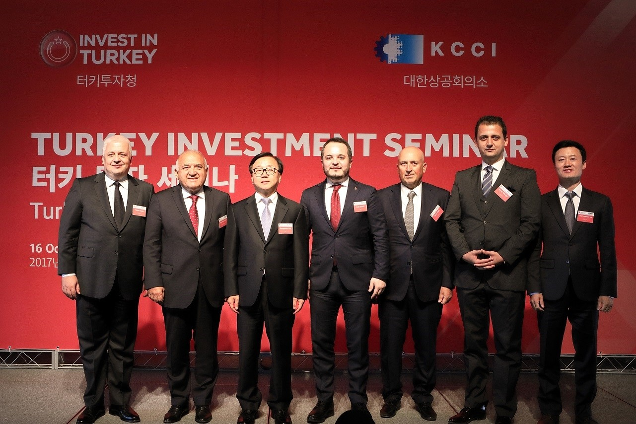 Investment Support and Promotion Agency of Turkey (ISPAT) Chairman Ermut (C) met investors in South Korea and China during investment seminars in the countries from Oct. 16 to 20.