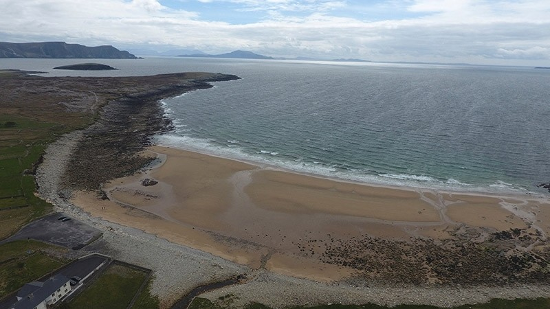 Dooagh beach is seen after a storm returned sand to it, 30 years after another storm had stripped all the sand off the beach, on Achill island, County Mayo, Ireland, May 5, 2017. (Reuters Photo)